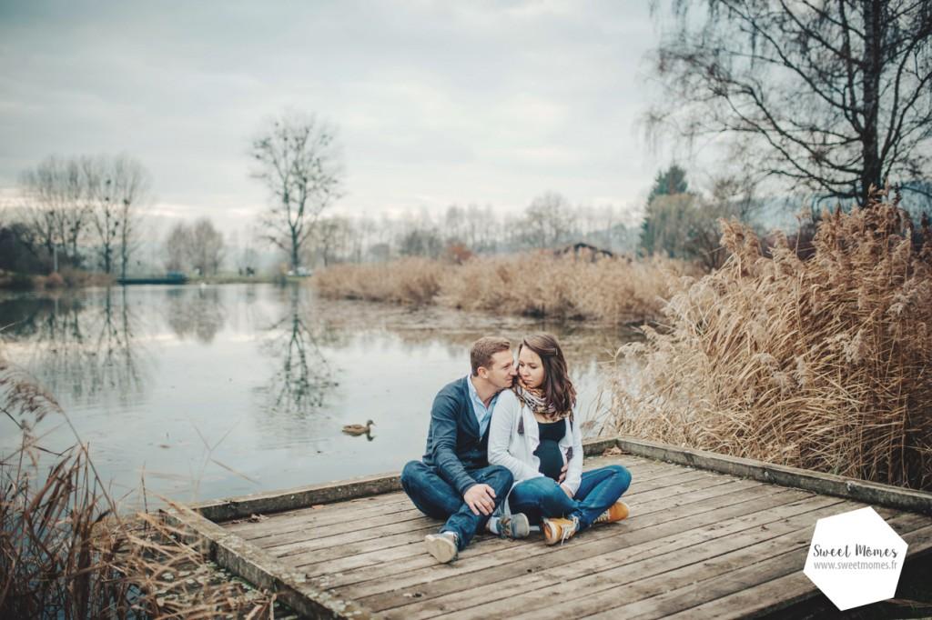 séance photo maternité grossesse lac eau roseau aix-les-bains chambéry lac du bourget lifestyle photographe nouveau-né naissance